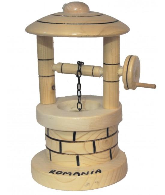 fantana decorativa din lemn